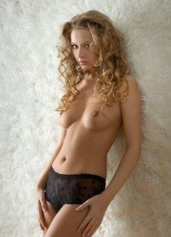 Девушка ищет мужчину в Краснодаре.Очаровательная обладательница соблазнительных форм